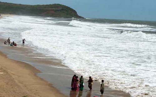 Who Else Wants Great Ideas About Mithbav Beach